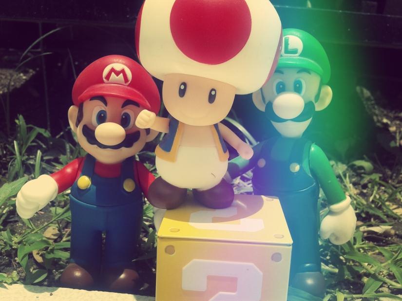 Mario, Luigi y Toad en mi jardín